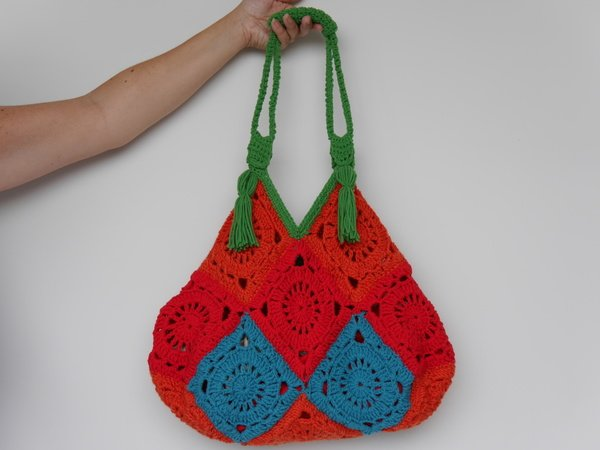 Häkelanleitung Tasche aus Granny Square Quadraten Lifestyle Design No.19
