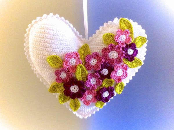 Flowery Heart - Crochet Pattern english