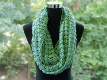 Crochet Pattern, Beautiful Summer Loop / Loop Scarf in mint, 176 x 30 cm (approx. 69,5 x 12 inch)
