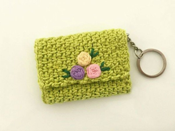 Free Crochet Purse Patterns For Beginners : Free Crochet Pattern for Beginners Coin purse. Material: Odds of wool ...