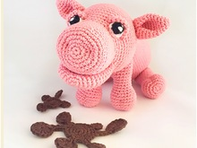 A nice pattern of a cute pig, clearly described with photos in Dutch, Deutsch and English US-terms