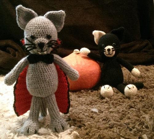 Häkelanleitung Vampirkatze, perfekt für Halloween!