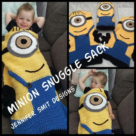 Minion Snugglesack for children