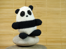 "Panda Xiao-Xiao ""The Stash Gobblers #01"", knitting pattern"