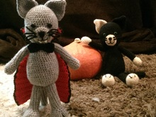 Crochet Pattern - Vampire Cat, perfect for Halloween!