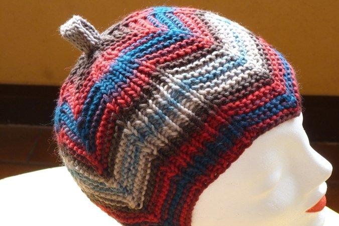 Mütze stricken / bunte Zackenmütze stricken