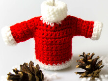 Amigurumi Miniature Sweater Crochet Pattern DIY
