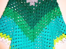 Poncho toll als Wollresteverwertung