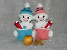 Crochet Pattern Snowman or Snowgirl with Santa's Bag