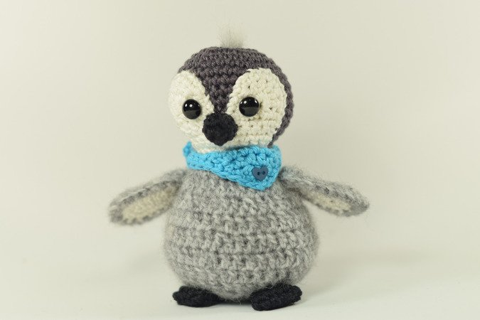 haekelicious 2 anleitungs paket babypinguin mit gro em pinguin eisw rfel m tze schal. Black Bedroom Furniture Sets. Home Design Ideas