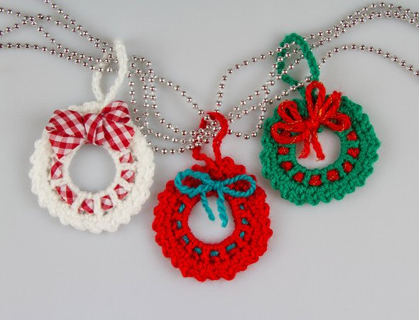 Amigurumi Christmas Ornament Wreath Crochet Pattern
