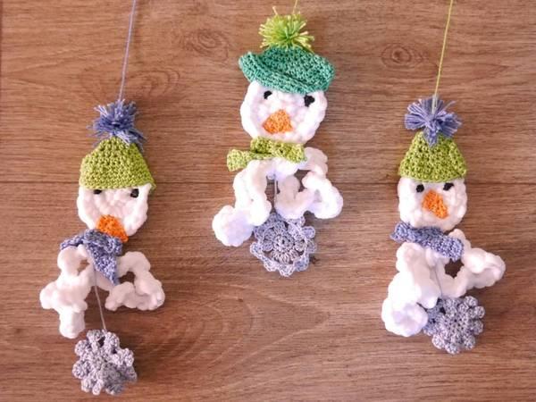 Schneemänner - Flocken zum Häkeln - Weihnachtsdeko