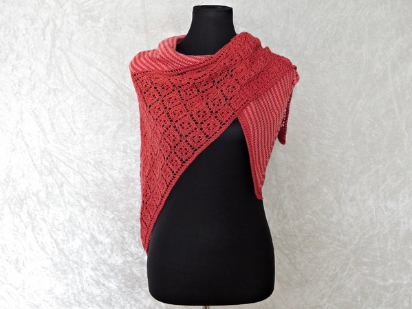 Knitting pattern shawl Amrun