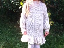 Anamchara - Abundant Cable Jumper / Dress for small Princesses Gr. 122 / 5 years