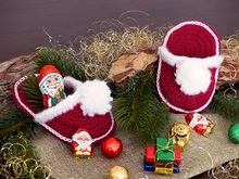 Santa's Slippers - Crochet Pattern