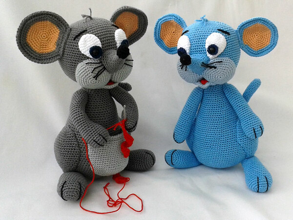 "Crochet Pattern ""Lola, the mouse"""