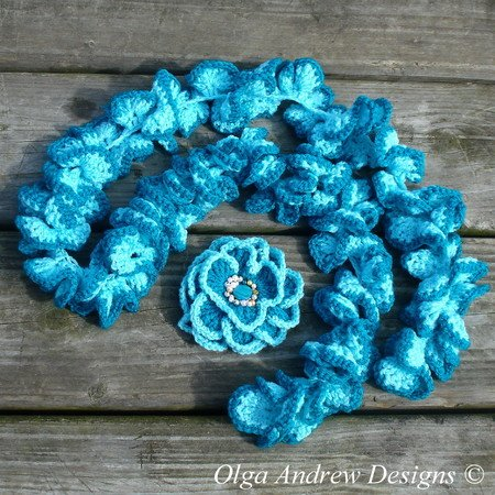 Camomile Ruffle Scarf And Brooch Crochet Pattern 029