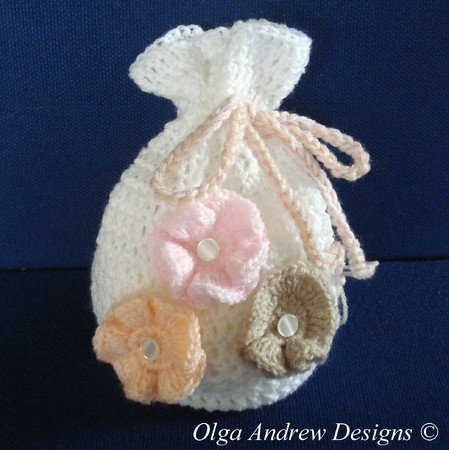 Gift bag with flower appliques crochet pattern 007