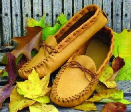 Men's size 7 Casual Moccasin Pattern