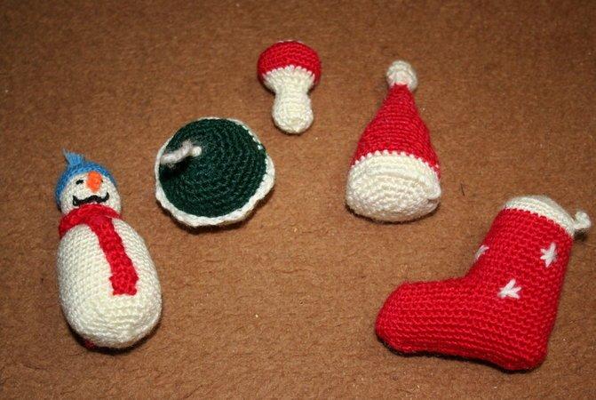 Weihnachtliches Katzenspielzeug Tannenbaum Schneemann Mütze Kugel