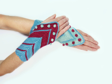 wrist warmers / wrist cuffs Hamburg Ahoi knitting pattern