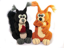 Big Fluffy Squirrels - crochet pattern
