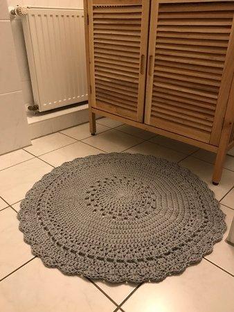 Teppich häkeln // runder Teppich // Wollreste