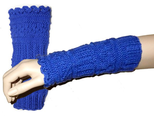 Fina, knitted arm and leg gaiter