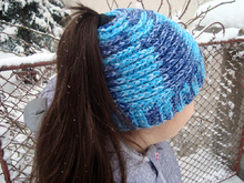 Crochet Pattern Messy Bun Hat or Ponytail Beanie Winter Hat for Runners Running cap for women or girls Warm hat with hair hole