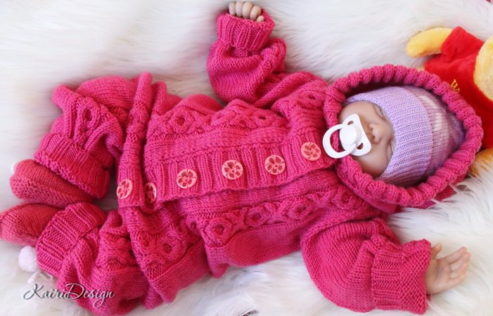 Knitted Baby jumpsuit/overall