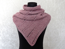 Knitting pattern cowl Nelthil