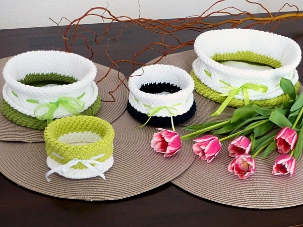 "Storage Baskets ""Collector's Delight"" in 7 sizes, Crochet Pattern"