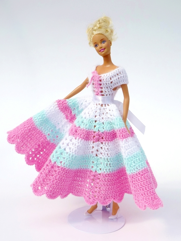 Easy Crochet Doll Dress Pattern : Crochet patterns: Doll clothes collection Swing