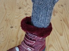 Bariel – warm boot cuffs for cold winter days with a romantic valance - Knitting Pattern