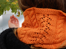 "Laca and cables rectangle stole knitting pattern ""Golden Days"""