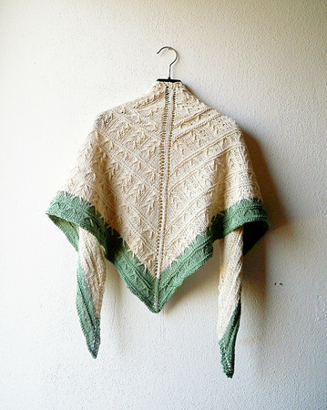 Shawl Knitting Pattern with slip stitch cables in two colors Relief