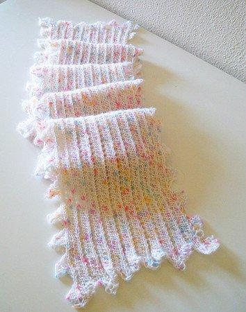 Diagonal knit scarf