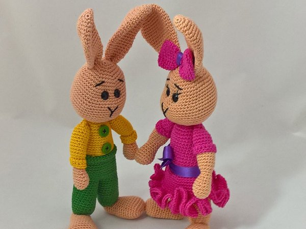 Crochet Pattern - Easter Bunnies Pinky and Little Rascal