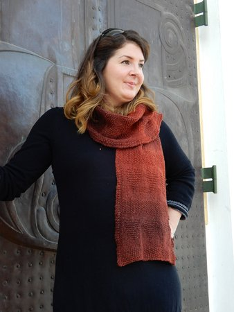 "Scarf with hearts knitting pattern ""Bisou"""