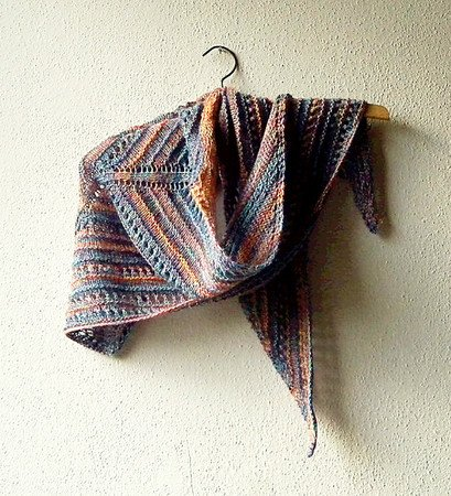 Triangle Shawl knitting pattern \