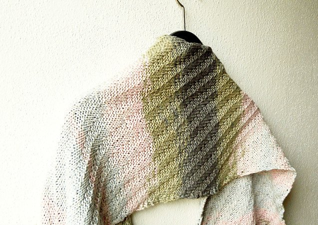 "Easy rectangle stole knitting pattern ""Primavera Wrap"""