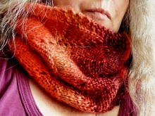 "Bulky Lace Cowl knitting pattern ""Flammes"""