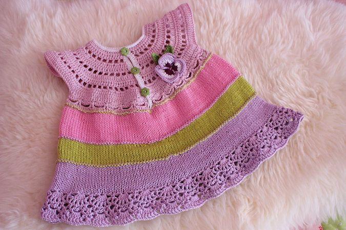 Häkelanleitung für Babykleidchen