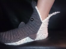 Crochet pattern Shark socks (adult size)