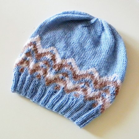 "Hat Knitting Pattern in stranded colorwork ""Montagna"""