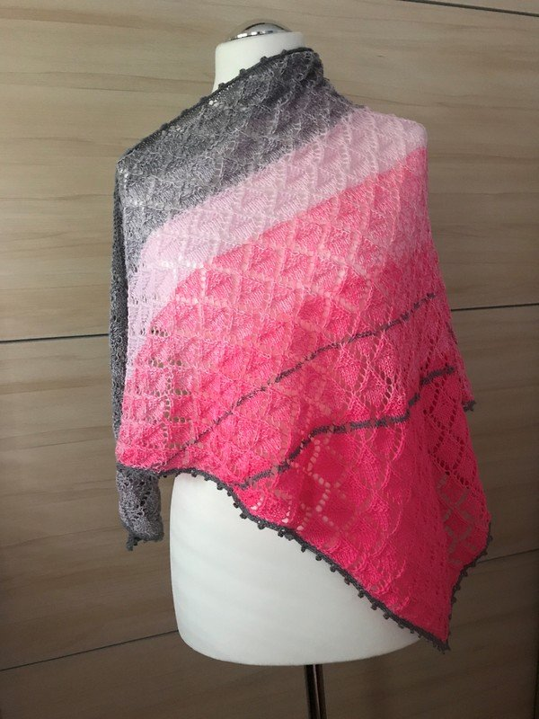 Knitting Patterns For Triangular Shawls : Triangular Shawl - knitting pattern