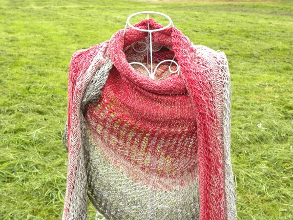 "Tuch ""Herzflattern"" mit 1 Woolly Hugs BOBBEL-COTTON stricken"