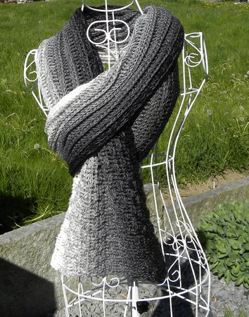 "Schal ""RAUER WIND"" aus 1 Woolly Hugs BOBBEL-COTTON häkeln"