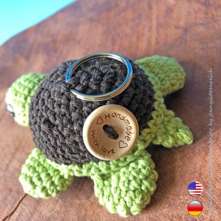 Turtle Keychains, crochet pattern, amigurumi by jennysideenreich | 450x450