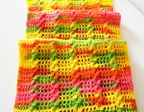 Häkelanleitung für Zopfmusterschal aus Sockenwolle \